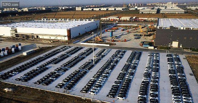 产量大涨!特斯拉上海工厂停车场